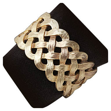 L'Objet - L'Objet Matte Gold-Plated Braid Napkin Rings, Set of 4 - L'Objet is best known for using ancient design techniques to create timeless, yet decidedly modern serveware, dishes, home decor and gifts. heir elegance and charm. 14k Gold plated napkin rings. All ring sets are presented in a luxury gift box. Set of Four. Attention to detail is often what distinguishes any presentation from beautiful to memorable. These napkin jewels will enrich any decor with their distinguishable handcrafted details.