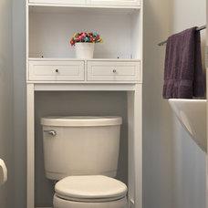 Eclectic Bathroom by Grossmueller's Design Consultants