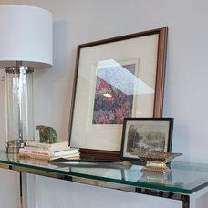Contemporary Entry by DesignLaB Interiors