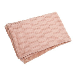 iMax - iMax Gemma Faux Fur Throw X-74607 - In a blushing pink hue, the faux fur Gemma throw adds a soft touch of color to any home.