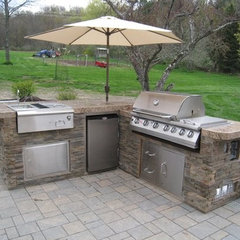 grills by NYC Fireplaces and Outdoor Kitchens