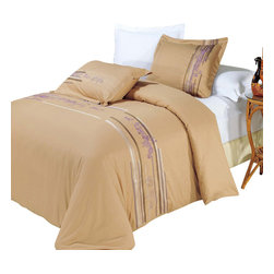 Bed Linens - Cecilia Egyptian cotton Embroidered Duvet Cover Set Full-Queen - You are invited to experience the comfort, luxury and softness of our luxurious Embroidered duvet covers. Silky Soft made from 100% Egyptian cotton with 300 Thread count woven with superior single ply yarn. Quality linens like this one are available only at selected Five Stars Hotels.