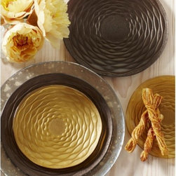 """Viva Terra - Aubergine Aurora Dinner Plate (set of 4) - Our recycled glass dinnerware displays a stunning and clever orbital pattern. While the wavy rings appear to be raised, the top surface of these plates is actually smooth, and the pattern emerges from underneath. Metallic gold and aubergine add an earthly glamour to any table setting. Dishwasher-safe but hand wash for best results. DINNER PLATE SET OF 4 AUBERGINE 10""""DIAM"""