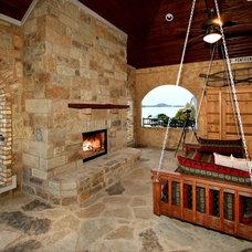 Traditional  by Zbranek & Holt Custom Homes