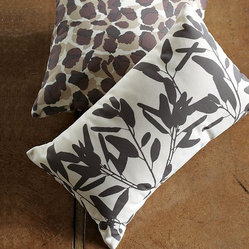 Outdoor Bamboo Leaf Pillow