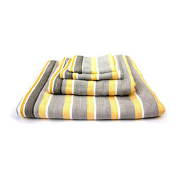 Dandelion Chambray Towel - Give guests the gift of a luxe bath experience. Each Dandelion Chambray Towel has a flat-weave side and a looped terrycloth pile side, which lets you use the towel according to your personal preferences. Absorbent, fast-drying, lightweight, and eco-friendly, this towel is made in Imbari, Japan, an area known for the finest quality cotton. The cotton is cultivated with low-pesticide methods, hand-picked, and combed twice before it becomes thread.