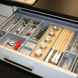 Kitchen Organization & Drawer Inserts - The Innotech drawer system by Hettich boasts a beautiful offering of drawer inserts and organizers. The Intelligent Kitchen Concept is Hettich's method of identifying each cabinet with its intended use and outfitting it with the perfect organizer.
