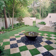 Traditional  by Exterior Worlds Landscaping & Design