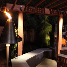 Traditional  by Garden LIghts Landscape and Pool Development Inc.