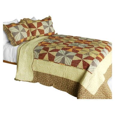Blancho Bedding - Lucky Clover 3PC Cotton Contained Patchwork Quilt Set  Full/Queen Size - Set includes a quilt and two quilted shams (one in twin set). Shell and fill are 100% cotton. For convenience, all bedding components are machine washable on cold in the gentle cycle and can be dried on low heat and will last you years. Intricate vermicelli quilting provides a rich surface texture. This vermicelli-quilted quilt set will refresh your bedroom decor instantly, create a cozy and inviting atmosphere and is sure to transform the look of your bedroom or guest room. Dimensions: Full/Queen quilt: 90 inches x 98 inches  Standard sham: 20 inches x 26 inches.