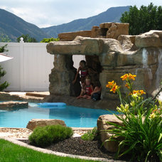 Traditional Pool by Bockholt Landscape Architecture