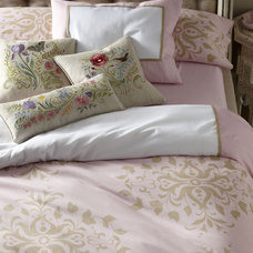 Traditional Bedroom by Fleur designs