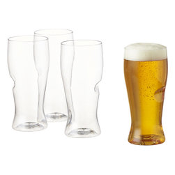Govino Beer Glasses, Set of 4 - These beer glasses are made from clear plastic and come with an indent for easy holding. They are perfect for picnics because they're lightweight and won't break.