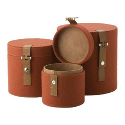 Lazy Susan - Lazy Susan Set of 3 Nested Pomegranate Felt Round Boxes X-350482 - Made from felt with leather details