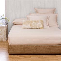 Howard Elliott - Coco Topaz Platform Bedroom Set (Kit and Cover) - Choose Size: Full