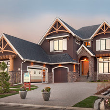 Traditional Exterior by Albi Homes