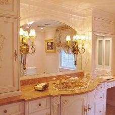 Traditional Bathroom by susan rosenthal, IIDA, LLC