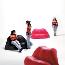 Modern Sofas by KE-ZU