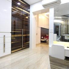 Contemporary Closet by Focus Interiors