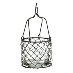 Silk Plants Direct - Silk Plants Direct Chain Link Vase (Pack of 1) - Pack of 1. Silk Plants Direct specializes in manufacturing, design and supply of the most life-like, premium quality artificial plants, trees, flowers, arrangements, topiaries and containers for home, office and commercial use. Our Chain Link Vase includes the following: