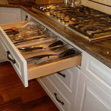 Traditional Kitchen Cabinets by Innermost Cabinets