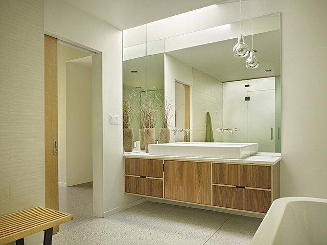 Midcentury Bathroom by DeForest Architects
