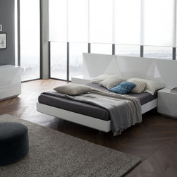 Sapphire Bedroom Set in Glossy White by Rossetto - The is a place for fashion and creativity in furniture and decor. The Sapphire Bedroom Set by Rossetto offers an exclusive styling with geometric designs on headboard and drawer fronts. The set includes Bed with wide headboard, 2 large nightstands and dresser.