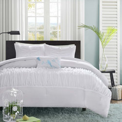 Mi-Zone - MiZone Tatiana Comforter Set - The Tatiana comforter set creates an opulent look for your bedroom to update your current d�cor. The ruched fabric on the comforter and sham gives the appearance of scalloped edges and ruffles covering the bed.