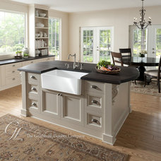 Traditional Kitchen by The Grothouse Lumber Company