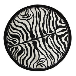 Nuloom - nuLOOM Zebra Animal Print Black/ White Rug (5' 3 Round) - Transport yourself to the wilds of the Serengeti with this six-foot zebra print round area rug that features a bold black-and-white pattern. The durable machine-made polypropylene construction will stand up to years of friendly stampedes.