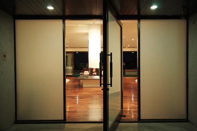 Modern Entry by Globus Builder