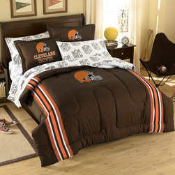 Northwest Co. - NFL Cleveland Browns Bed in Bag Set - Web Description: Make a proud statement in your room for your favorite NFL team with our 5 piece Bed in a Bag Set. Whether game night or just another night for sleeping, the bold and large applique logo stands out against the solid color background and team color accented stripes, making quite the impression. -Polyester/cotton blend. -Twin set includes 1 pillowcase, 1 sham, 1 flat sheet, 1 fitted sheet, and 1 applique comforter. -Full set includes 2 pillowcases, 2 shames, 1 flat sheet, 1 fitted sheet, and 1 applique comforter.