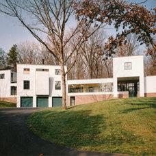 Modern Exterior by Austin Patterson Disston Architects