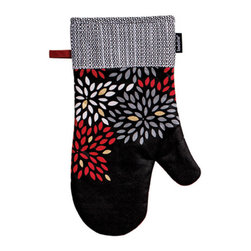 Ladelle - Mika Oven Mitt, Set of 4 - The Mika kitchen textiles collection is inspired by Japanese wood block printing. Featuring metallic print and pintucking detail, the collection includes an apron, oven mitts, pot holders and kitchen towels, available separately.