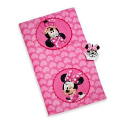 Disney - Disney Minnie Bath Towel and Wash Mitt Set - This bath towel and wash mitt set is perfect for your little one, featuring a bath towel with a playful and cute Minnie print and a shaped wash mitt.