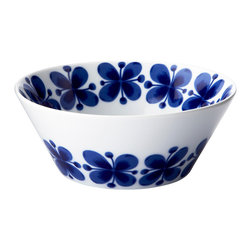 iittala Mon Amie Bowl 20oz - Mon Amie (French for 'my friend') made its debut back in the 1950s, when Marianne Westman created the now classic decorative pattern one rainy Midsummer Eve. Over the years the blue floral decoration has become something of an icon for Rorstrand. Marianne was a true pioneer within her genre and has even been called 'the mother of Swedish porcelain'.