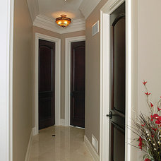 Traditional Hall by Donatelli Builders, Inc