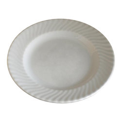 SilverMate - ChinaMate - In your home or a commercial kitchen, it is almost impossible to keep marks off of china. Gray and black marks come from utensils and other metals that come in contact with the china. Using bleach is a serious mistake, often made in an effort to remove the marks. Bleaching removes the glaze from china.