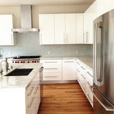 Contemporary Kitchen Cabinetry by Kitchen Inspiration Inc.