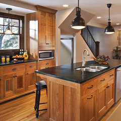 traditional kitchen countertops by Tammy Johnson