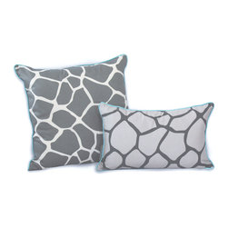 ez living home - Giraffe Dec Pillow, Grey - *Eye-catching yet subtle giraffe pattern; EZ to decorate with; Complements existing room decoration.