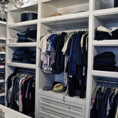 contemporary closet by Leib Designs