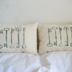Skeleton Key Pillows by Sugar and Fig