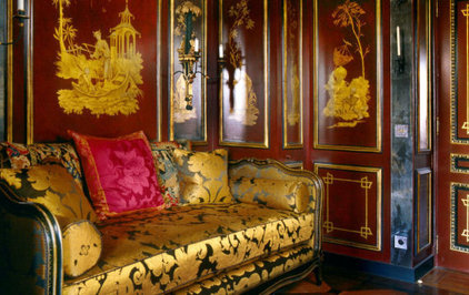 traditional  Chinoiserie boudoir