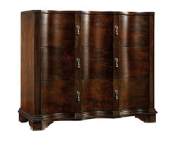 Hooker Furniture - Accent Chest - This refined chest might have come from a stately Georgian home with its superb finish and exquisite detailing. You'll bring the past to life in your home and have plenty of storage space while adding romance and history to your room.