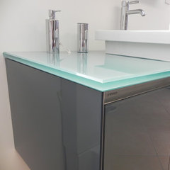 modern bathroom countertops by Cristallo SP