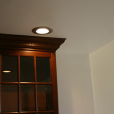 Modern Kitchen Lighting And Cabinet Lighting by AA PROFESSIONAL SERV CORP.