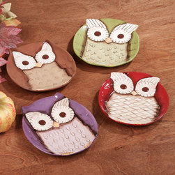 Owl Ceramic Snack Appetizer Plates, Set of 4 - These owl plates would make fun decor for a kid's bedroom or playroom wall. They are also great for entertaining!