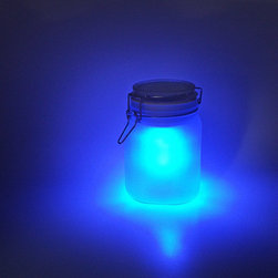 Moon Jars - You've heard of sun jars, right? Well, this is a moon jar! Like a sun jar, moon jars are essentially a jar-filled solar cell, with a rechargeable battery and a low-energy LED. Place a moon jar into direct sunlight for a few hours, and the battery will be fully charged. At night, it will automatically turn on to give your home a soft moon-like glow. (available in these jars store sunshine! Captured inside the Sun and Moon Jars are a highly efficient solar cell, a rechargeable battery and a low energy LED. Since the Mason Jar is waterproof, these little guys can be placed all over your patio, without ever needing to plug them in or wipe them dry!