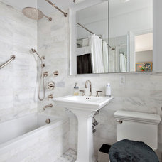 Traditional Bathroom by DELUXE Design & Construction